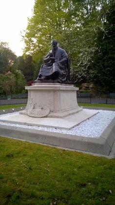 Lord Kelvin Scientist and Scholar, Kelvingrove Park, Glasgow.
