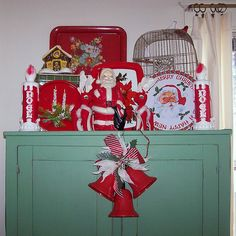 love this green paint!! Vintage Christmas Decorations | Vintage Christmas Decorations