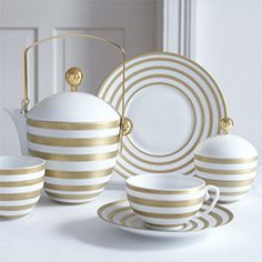 L Coquet Hémisphère Gold & Gold Stripe Dinnerware Dinnerware Sets, China Dinnerware, Vase Deco, I Love Gold, Kitchenware, Tableware, Cafetiere, Kitchen Dishes, Kitchen Cupboard
