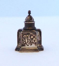 Obadiah Fisher, IGMA fellow - Sterling Silver Tea Caddy