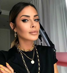 Magda Pieczonka (@magdapieczonkamakeup) • Zdjęcia i filmy na Instagramie Hair Makeup, Make Up, Shoulder Bag, Bags, Instagram, Fashion, Handbags, Moda, Fashion Styles
