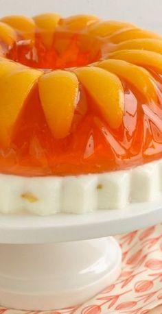 Peaches & Cream jello cake and other jello recipes Jello Deserts, Köstliche Desserts, Delicious Desserts, Yummy Food, Greek Desserts, Gelatin Recipes, Jello Recipes, Gelatina Jello, Kabobs