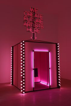 A new way to pump up your PhotoBooth. Event on mind : Music Festivals, Beauty Product Launch Stand Design, Display Design, Booth Design, Corporative Events, Best Office, Design Innovation, Future Artist, Interactive Art, Purple Aesthetic