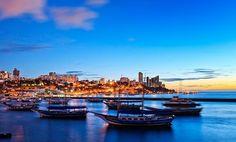 A primeira capital do Brasil é famosa pela arquitetura, música e culinária de influência africa...