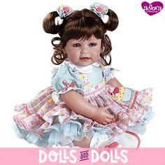 ⏳ ¡NO TE QUEDES SIN ELLA! ⏳ Piece of Cake de la marca #Adora ha sido descatalogada y ya no se fabrica. Si te gustaría comprarla, en nuestra web la encontrarás con otras #muñecas de la marca. ¡Date prisa porque nos quedan muy pocas unidades! #Dolls #AdoraDolls #Muñeca #Bonecas #Poupées #Bambole #MuñecasAdora