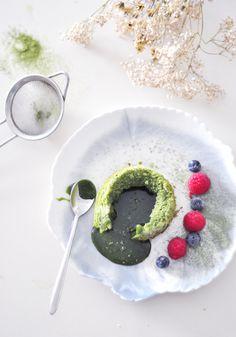 ... matcha lava green tea cake ...