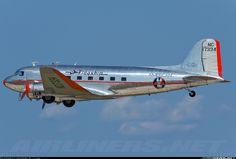 http://cdn-www.airliners.net/aviation-photos/photos/8/7/6/1770678.jpg