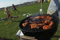Come pulire barbecue e griglie in modo efficace e naturale