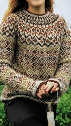 lovely pattern, wonder where to by it Fair Isle Knitting Patterns, Fair Isle Pattern, Sweater Knitting Patterns, Knitting Stitches, Knit Patterns, Winter Sweaters, Sweaters For Women, Fair Isle Sweaters, Punto Fair Isle