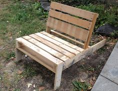 Pallet transformed into garden furniture.  What fabulous ingenuity!