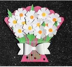 An easy and simple paper flower bouquet Flower Crafts Kids, Spring Crafts For Kids, Butterfly Crafts, Easter Crafts, Kids Crafts, Simple Paper Flower, Paper Flowers For Kids, Paper Flower Wreaths, Flower Bouquet Diy