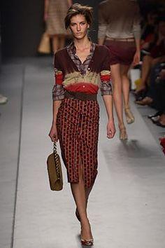 Prada Spring 2004 Ready-to-Wear Fashion Show - Miuccia Prada, Diana Dondoe