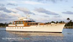 Wishing Star is one of the most aesthetically pleasing Trumpy #yachts ever designed and built. #Charleston #style