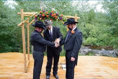 Colorado civil union with hand fasting. Photo by Rocky Mountain Aperture. http://www.rockymountainaperture.com/