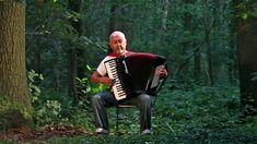 Yann Tiersen French accordion music - Valse des Monstres - Jo Brunenberg...