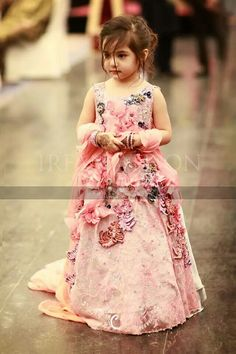 Latest Pakistani Kids Dresses For Weddings & Party Wear Pakistani Kids Dresses, Indian Dresses, Little Girl Dresses, Flower Girl Dresses, Flower Girls, Wedding Frocks, Wedding Dresses, Wedding Outfits, Wedding Wear