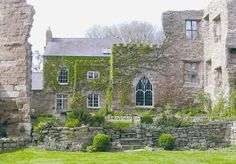 First mentioned in 1188, Wilton Castle was one of the Marches Castles that guarded the Welsh border.