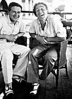 Lasar Segall e Victor Brecheret (à dir.) a bordo de navio em que voltaram ao Brasil