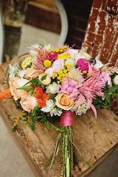 bright + beautiful bouquet // photo by Sweet Monday Photography, flowers by Peacock Blooms Floral Design // ruffled