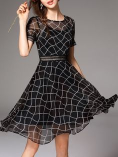 Black Geometric Short Sleeve Midi Dress