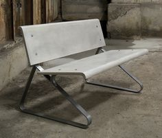 'Juno' bench by Skulpturfabriken Concrete bench