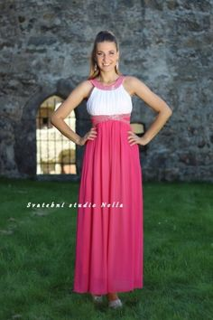 5361e259304e Plesové splývavé šaty - růžové šaty - dlouhé šaty www.svatebninella.cz