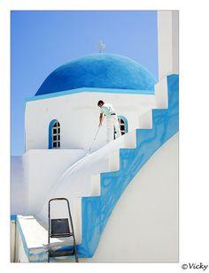 Greece ♥ Grecia painting the church, Naxos Greece Paros, Naxos Greece, Santorini Greece, Mykonos, Beautiful World, Beautiful Places, Simply Beautiful, Greek House, Greek Life