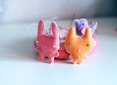 cute felt pins  I'm sure easy enough to figure out