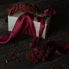 SCARLET silk ribbon will always add a bit of drama! #silkandwillow #holiday #giftwrapping #gift #silkribbon