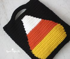 Crochet Candy Corn Trick or Treat Bag - Repeat Crafter Me