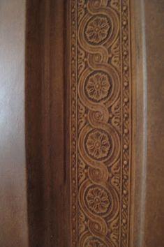 Vesta Accents Veranda Interiors, Spanish Style Decor, Trim Work, Home Living Room, Farm House, Shelf, Rustic, Art, Country Primitive