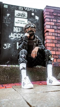 Do you have your unique urban style outfit for this season? If not, come in for a shot of inspiration, we are sure you will find some great ideas how complete your new look. Urban Fashion Trends, Latest Fashion, Ski Fashion, Rapper Art, Foto Top, Lil Skies, Rap Wallpaper, Urban Style Outfits, Poses For Men