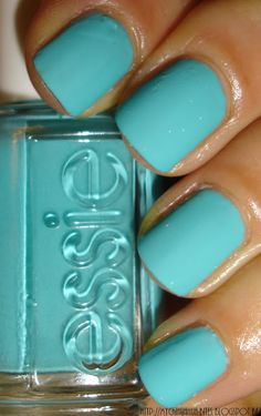 Where's My Chauffeur by Essie : a beautiful turquoise polish