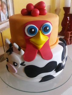 cumple de aran jose Farm Birthday Cakes, Farm Animal Birthday, 2nd Birthday Parties, Party Chicken, Chicken Cake, Farm Themed Party, Farm Party, Anna Cake, Different Kinds Of Cakes
