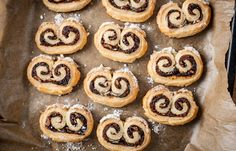 These beautiful little mincemeat and puff pastry swirls are an incredibly simple alternative to traditional mince pies Christmas Canapes, Christmas Treats, Christmas Goodies, Magical Christmas, Christmas 2016, Christmas Time, Xmas Food, Christmas Cooking, Shortbread