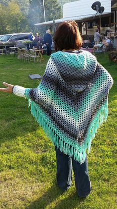 Lailah Hooded Swoncho pattern by Deni Sharpe Ravelry: Project Gallery for Lailah Poncho Sweater pattern by Deni Sharpe Hooded Poncho Pattern, Crochet Poncho Patterns, Crochet Jacket, Shawl Patterns, Crochet Cardigan, Crochet Scarves, Crochet Clothes, Crochet Stitches, Knit Crochet
