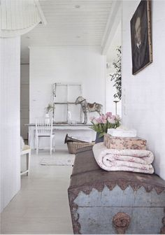 When it comes to country style  one of my favourite looks would have to be vintage style.   I l...