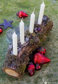 Schnelle Adventskranz Alternative aus Holz - Schlichte DIY Adventsdeko aus natürlichen Materialien und Holz selbermachen.