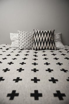 Black and White Bed Linnen