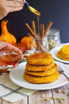 The best ever pumpkin pancakes recipe for breakfast and brunch. These pumpkin pancakes are fluffy and full of delicious flavors, and are ready in no time! Donut Recipes, Brunch Recipes, Breakfast Recipes, Breakfast Ideas, Brunch Food, Pancake Recipes, Sweets Recipes, Bread Recipes, Desserts