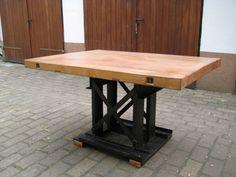 Tischplatte: Rotbuche Gestell: Stahl Aufgearbeitet by WLM