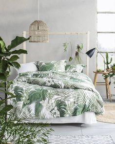 99 Variety of Minimalist Bedroom Interior Design 2017 - Interior Tropical, Design Tropical, Tropical Bedroom Decor, Tropical Bedrooms, Bedroom Green, Home Bedroom, Tropical Decor, Tropical Colors, Tropical Bedding
