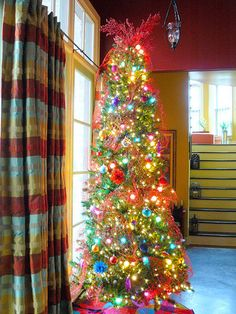 christmas tree decorating ideas debbiedoos merry christmas christmas 2017 christmas holidays christmas - Decorating With Colored Christmas Lights