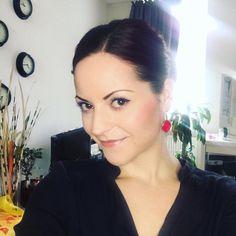 Heute noch Kundenbilder bearbeiten am Abend tanzen gehn und dann geht's ins Wochenende  Wünsch euch ein tolles Osterwochenende!  by kacy - makeup & photo