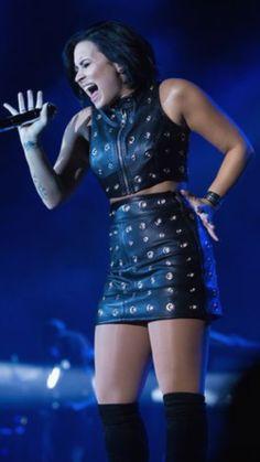 Demi rocking
