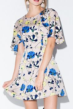 Shop print dresses for women online, you can get leopard, zebra and floral print dresses in fashion style on ZAFUL. Diva Fashion, Trendy Fashion, Cape Designs, Floral Style, Lovely Dresses, Passion For Fashion, Fashion Dresses, Short Sleeve Dresses, Style Inspiration