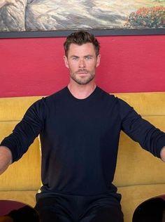 Chris Hemsworth Thor, Hot Asian Men, Thunder, Leo, How To Look Better, Army, Handsome, Husband, Celebrity