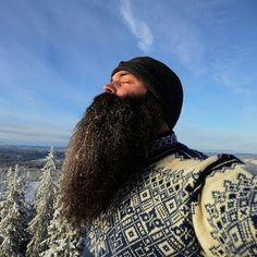 damn that's a nice beard Badass Beard, Epic Beard, Grey Beards, Long Beards, Beard Boy, Beard No Mustache, Beard Rules, Viking Beard, Full Beard