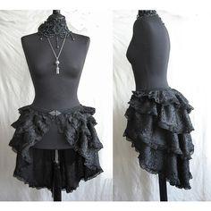 Bustle skirt Segura burlesque victorian by SomniaRomantica on Etsy, Mode Steampunk, Steampunk Skirt, Victorian Steampunk, Steampunk Costume, Steampunk Clothing, Steampunk Fashion, Gothic Fashion, Victorian Fashion, Look Fashion