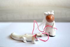 albino alice and her seeing eye gator - limited edition sculpture set by mt.royalmint & handymaiden